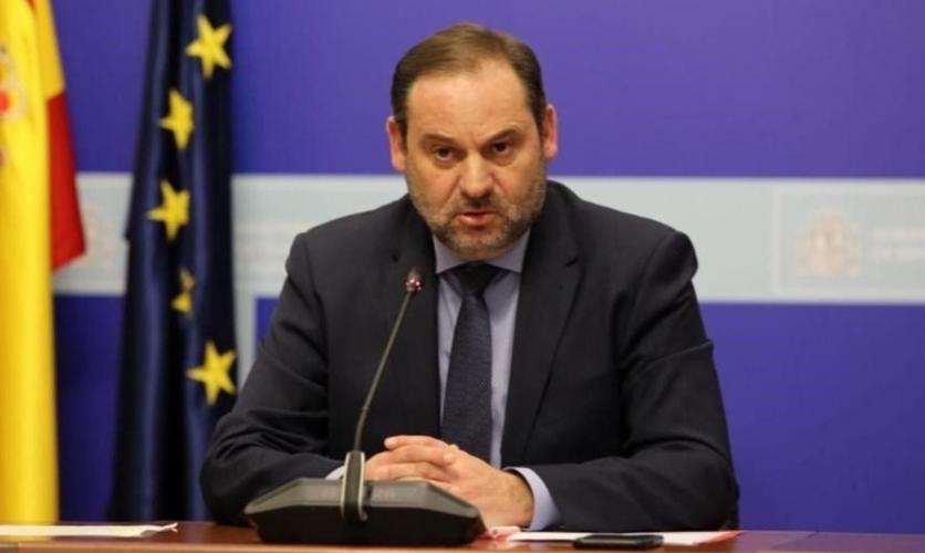 """Ábalos dice que la subida del IRPF y la limitación del alquiler se harán cuando """"el país pueda encajarlo"""""""