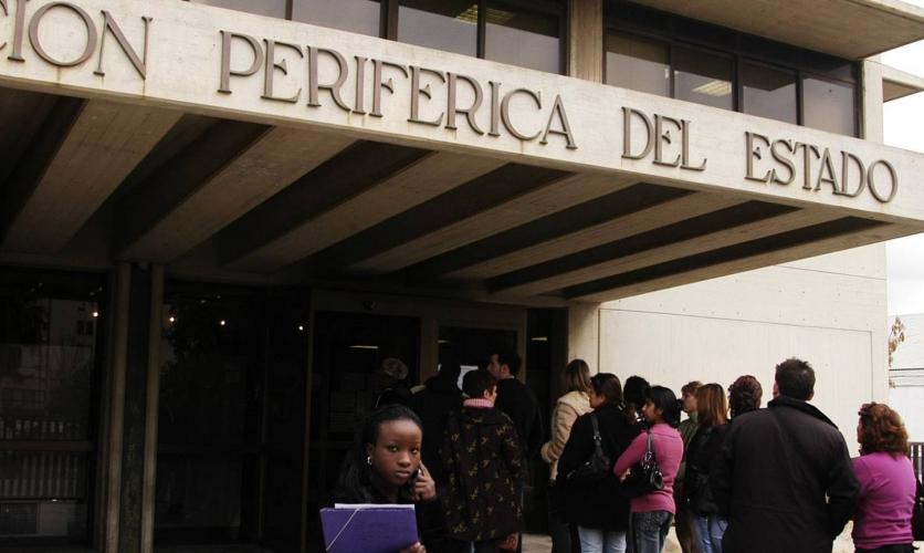 El Gobierno prorroga por 6 meses los permisos de residencia y trabajo de extranjeros