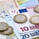 El Gobierno prepara una subida del salario mínimo a 1.000 euros en 2022