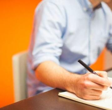 Una empresa no puede obligar a un empleado a trabajar en su día libre