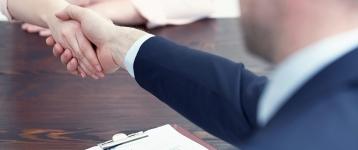 El tribunal europeo rectifica y rechaza igualar la indemnización de fijos y temporales