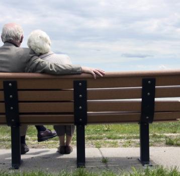 Expertos defienden el retraso de la edad de jubilación para evitar el colapso del sistema público